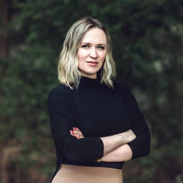 Lana Nadirov
